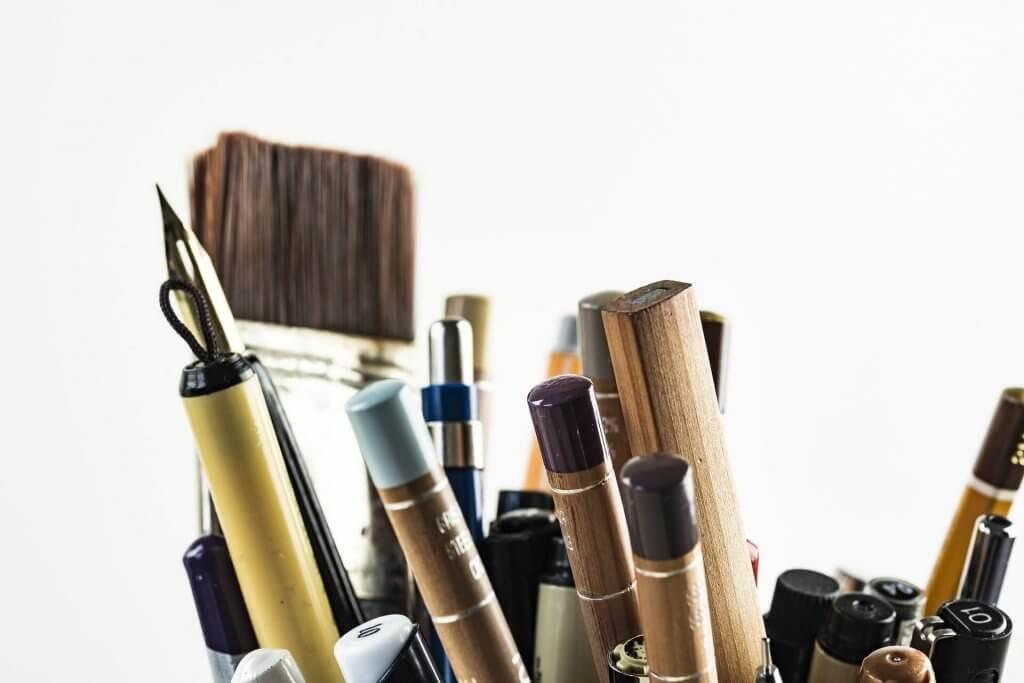 Images de crayon, stylo, pinçeaux pour la BD